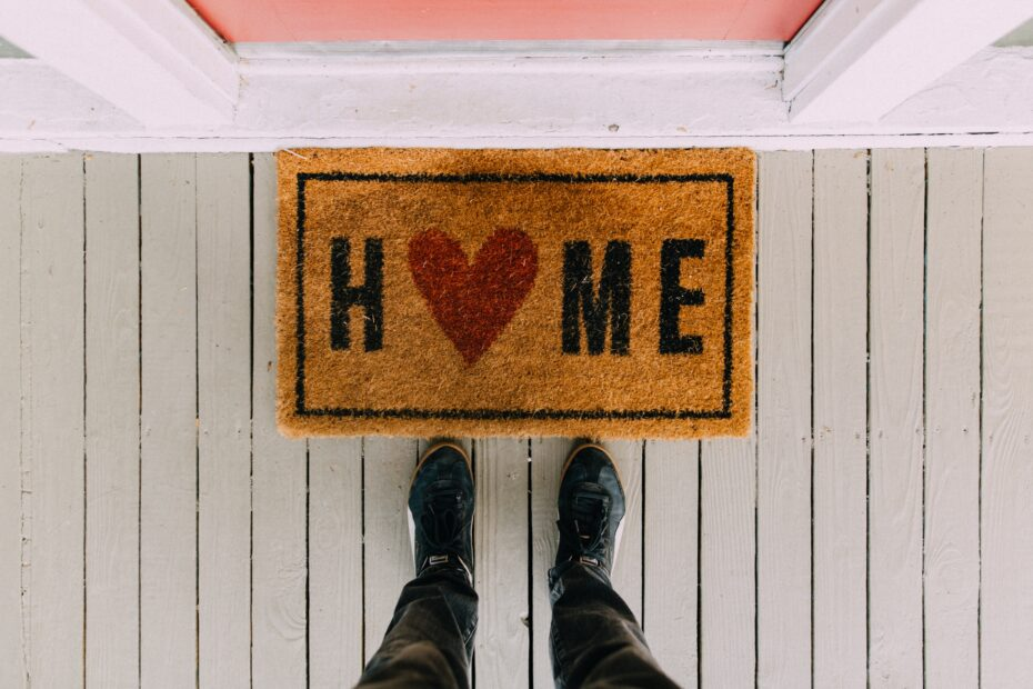 """Welcome mat that says """"Home"""""""